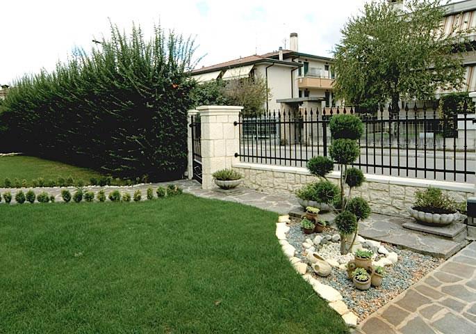 Rivestimenti in pietra per giardino live stone for Foto giardini moderni
